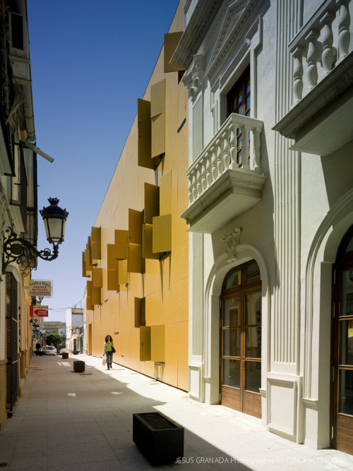 MRPR Arquitectos - Renovation of the Spanish Theater, Huelva . Via, photos (C) Jesus Granda.