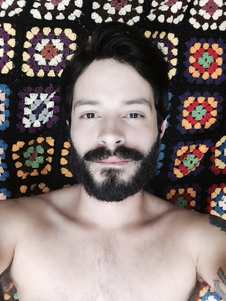 2018-06-04 05:22:39 - dontbehastie stretching beardburnme http://www.neofic.com