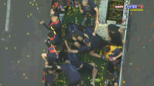 iamcule:  dolce-and-messi:  DEAD DRUNK BARCELONA PLAYERS  YOU ARE DRUNK, GO HOME