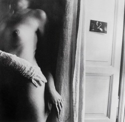 sistersofmoon:   Francesca Woodman, 1977-78