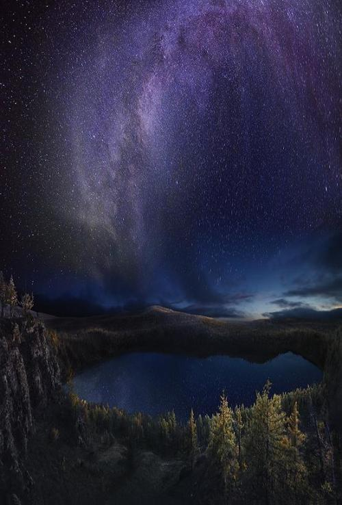 0mnis-e:  Blooming Milky Way, By Eleven.
