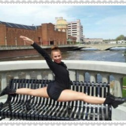 ignitemyflamee:  Outside the Paramount Theatre! #splits #bench #bridge #dance