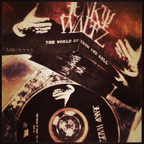 "Highly recommended this album of my Gifu friends !!! Junky Waltz ""The world of Doom and Roll"" CD #junkywaltz #stoner #stonerrock #gifu #doom #doommetal #metal"