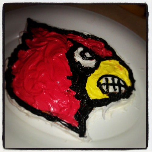 Look at the cake my mom made for me. #Cards #GraduationDay  #MyMomLovesMe #UL #Louisville #L1C4