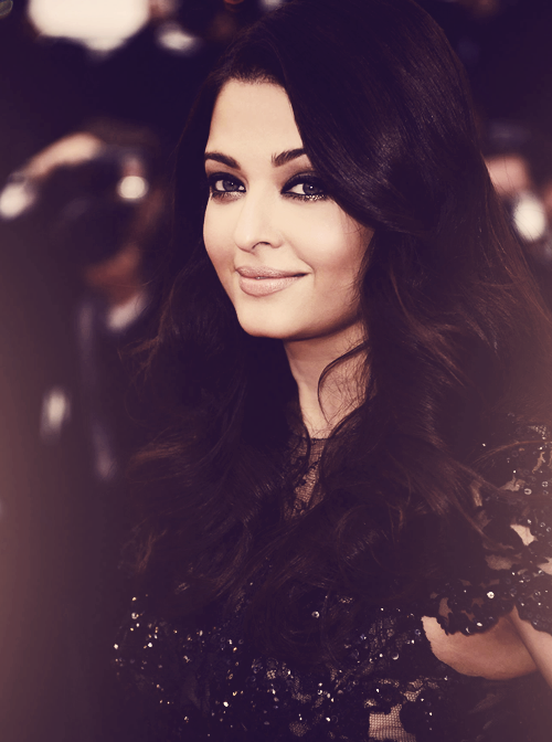 weheartaishwarya:  Aishwarya's stunning closeup from #Cannes2013 WOW