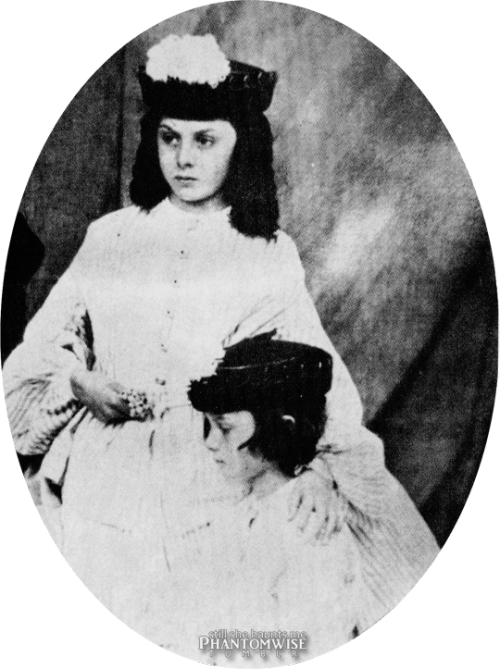 Lorina and Alice Liddell (1860)
