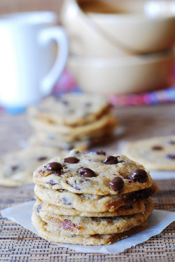 vurtual:  Soft and chewy chocolate chip cookies(by JuliasAlbum)