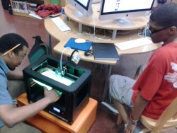 Firing up the Makerbot 3D printer at HWLC YOUmedia!