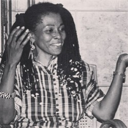 First woman on the FBI most wanted list: Assata Shakur: crime: her mind! Prized at $2mil (Post black! we are right?) #AlutaKontinua #umisays