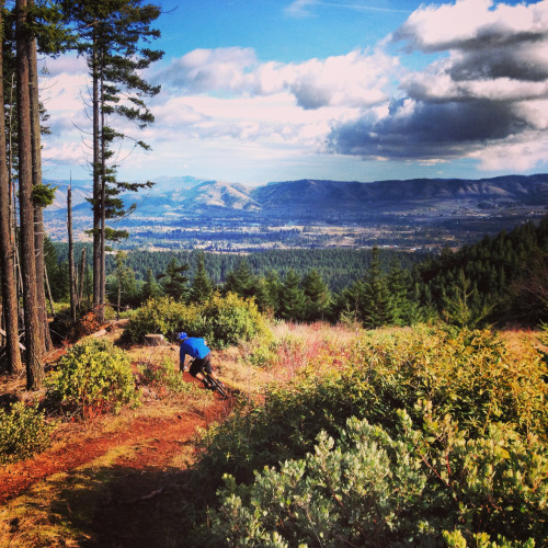rockymountainbicycles:  Gully filming in Hood River. Photo by Kate Masri.