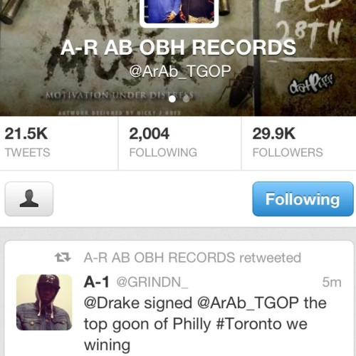Follow me on twitter, S/O @ar_ab_32 for signing with drake #Toronto2Philly #TopGoonOfPhilly