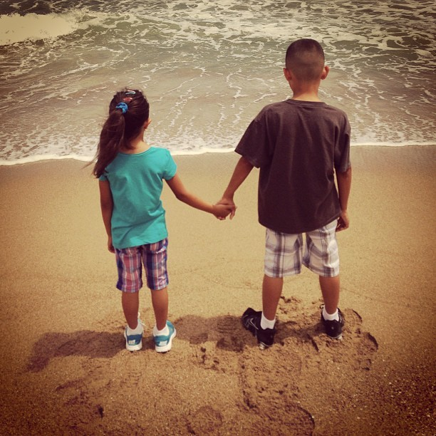 Every year I take a few #pictures of them holding hands. In the exact same position. Started this when my youngest could walk. I'll do it as long as I can. #family #kids #brother #sister