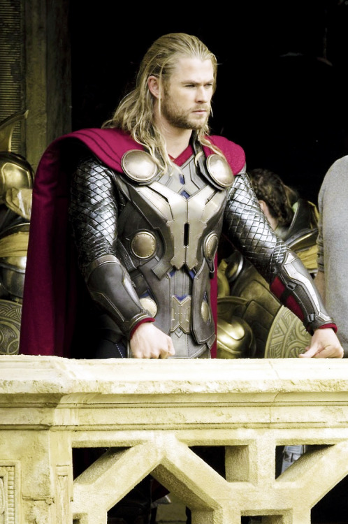 Chris Hemsworth on set of Thor: The Dark World (2013) [x]
