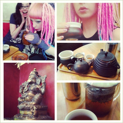 Diving into a cup of super hot chai with @bobsuicide at Samovar Tea Lounge.  (at Samovar Tea Lounge)