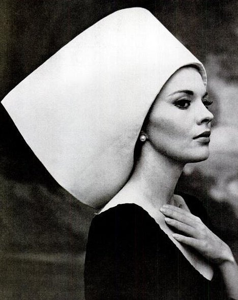 theswinginsixties:  Jean Seberg wearing a hat by Yves Saint Laurent, 1963. Photo by Carlo Bavagnoli.  Queued