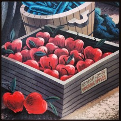 bobdoran:  #Humboldt County #Organic #Apples - #Flatmo #mural (at North Coast Co-Op)