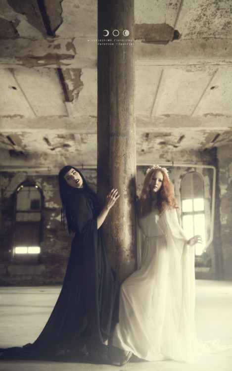"""The Sanatorium of Overworked Coincidences"" Models: The Sisters of October Ellie Lane & Sidhe Etain Photographer: DividingME PhotographyFacebook 