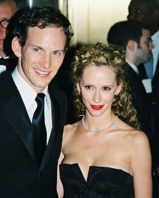 oldloves:  Patrick Wilson & Jennifer Love Hewitt, 2001  This is completely unrealistic, how could anyone believe that someone like Patrick Wilson would be interested in Jennifer Love Hewitt?
