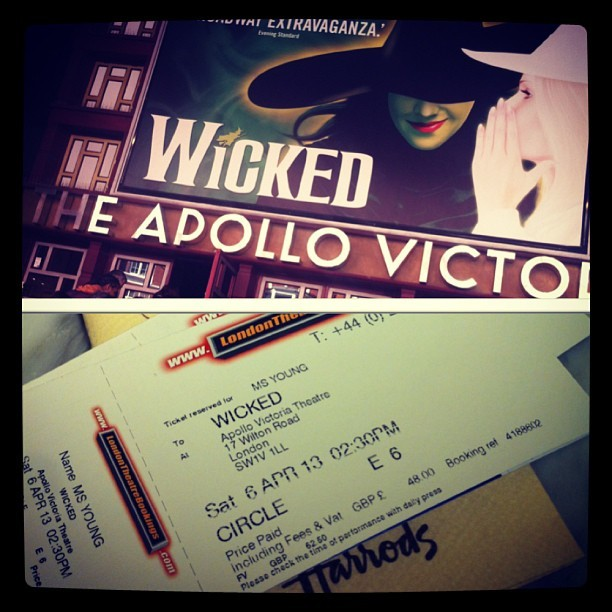 Guess who went and saw wicked today?! #wickedthemusical #gettingculturedyo #instacollage