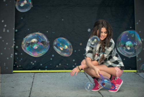 New picture of the photoshoot of Selena Gomez in November for Adidas Neo.