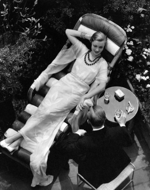 avanishedtime:  Vogue, 1932