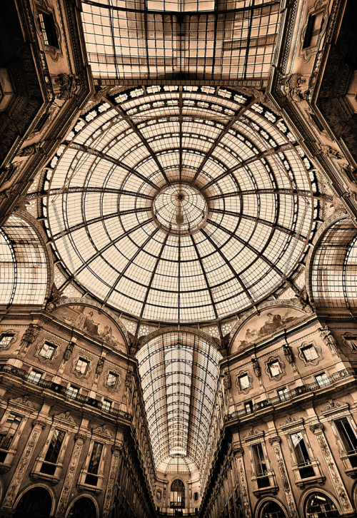 evocativesynthesis:  Milan (by Funchye)