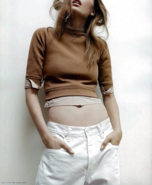 nadja-bender-in-marc-jacobs-by-amy-troost-for-i-d