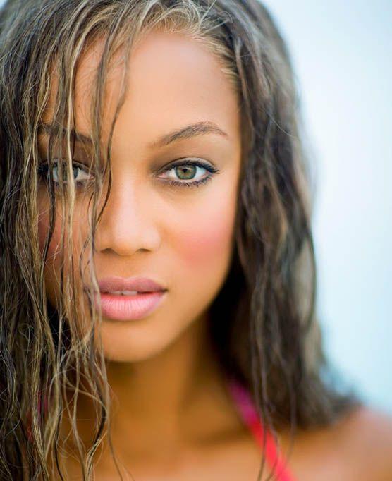 Tyra Banks On Glee: Black Kudos • Tyra Banks Tyra Lynne Banks (born December 4
