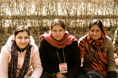 Three revolutionary women from the Communist Party of Nepal-Maoist. Photo by Natalio Pérez (selucha).