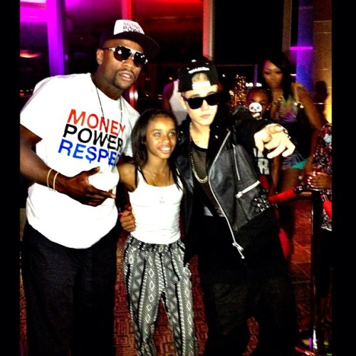 bieber-news:  @floydmayweather Nothing but the best for my daughter@moneyyaya. Thank you @justinbieber. Welcome to Las Vegas.