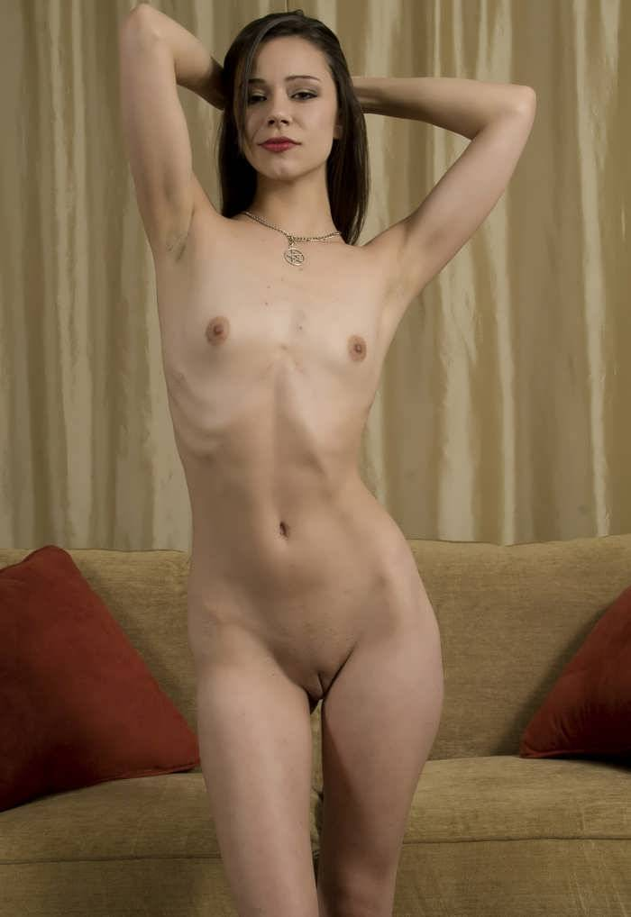 Skinny naked milf mom xxx