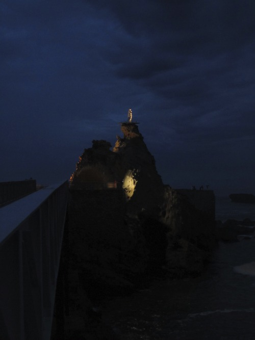 The Rock of the Virgin was made to look out over ships sailing across rough waters. Not so many ships setting sail here, but it's a nice viewpoint in any case. Biarritz, France