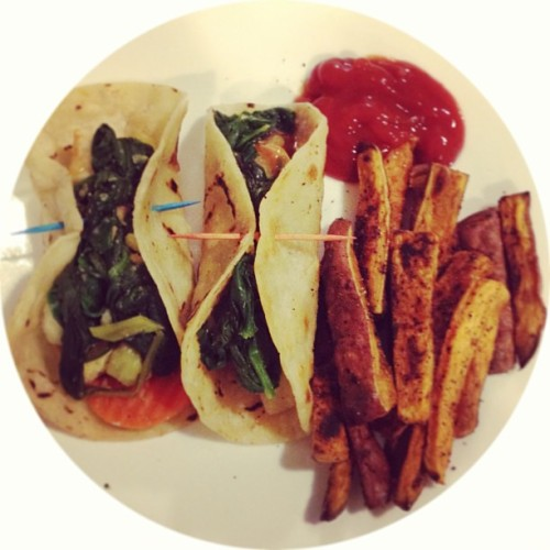 Adventures in gluten free #vegan cooking: sweet and sour tofu tacos and sweet potato fries 😋