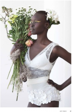 18-15n-77-30w:  sidibeauty:  shadesofblackness:  Alek Wek for As If Magazine  Sidi Beauty  18° 15' N, 77° 30' W