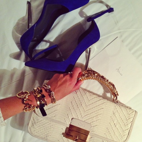 fashion-nd-luxury:  golddiggerr:  http://instagram.com/msxivana    ♡ ƒαѕнιση&ℓυχυяу ♡