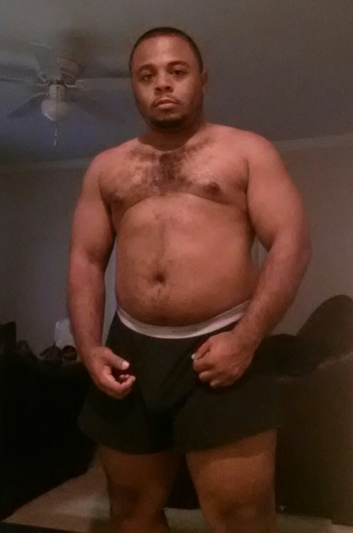 five3mac:Getting my sexy back. Gym starting to pay off!!Love this man&#8230.