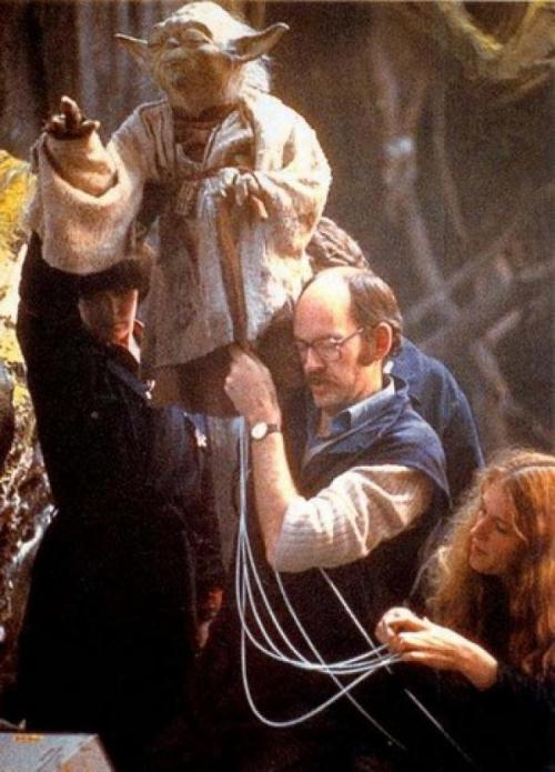 muppetmayhem:  Kathy Mullen, Frank Oz (and others, let me know) working Yoda.
