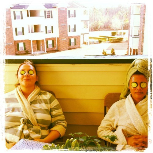 #spa #spaday with @natynu13 #cucumber #facial after #yoga and a nice #lunch #relaxing on her patio. Enjoying the #sunny weather. #refreshing #funfun #instagramers #igers #instaawesome #igdaily #potd #fotd #friends #funinthesun