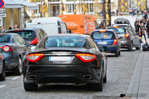 Looking in awe Starring: Maserati Granturismo S (by Alexandre Prévot)