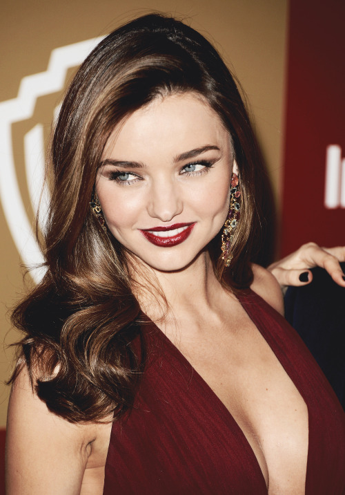 I don't usually like Miranda Kerr a whole lot. But this is by far the most AMAZING I've ever seen her. Perfect