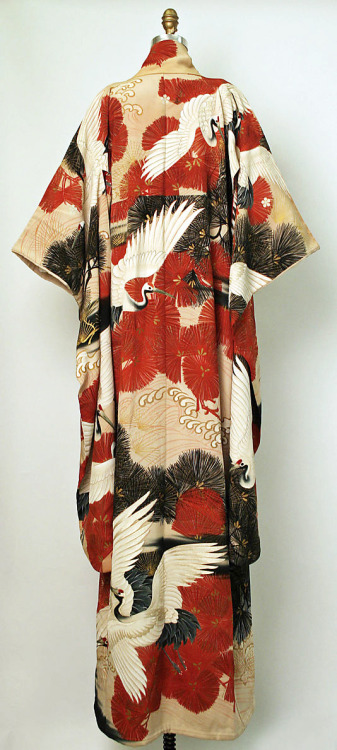 thekimonogallery:   Furisode (long-sleeved kimono). Meiji period (1868-1911).  Yuzen-dyeing with embroidery highlights on silk.  MET Museum (Gift of Mrs. Ray C. Kramer, 1958)