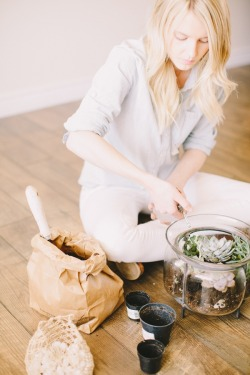themodernexchange:  Terrarium Tutorial by Tinge Floral | Ciara Richardson Photography