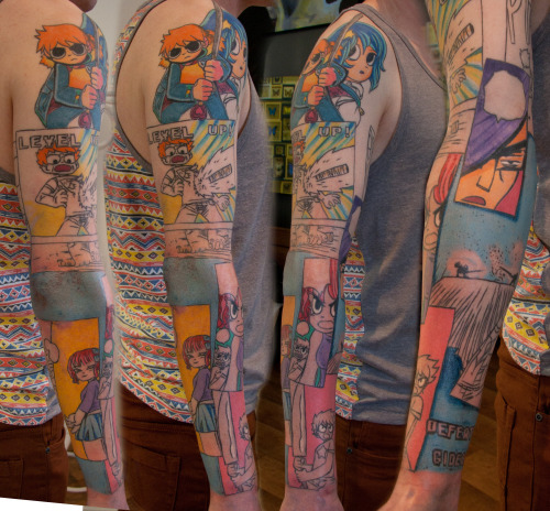 radiomaru:  holymountaintattoo:  Update on Glen's progress. Tattoo by Tom Caine   Wow……. what…….. wow  Cool!
