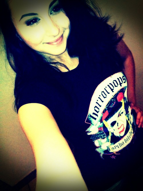 Me with my horrorpops tee