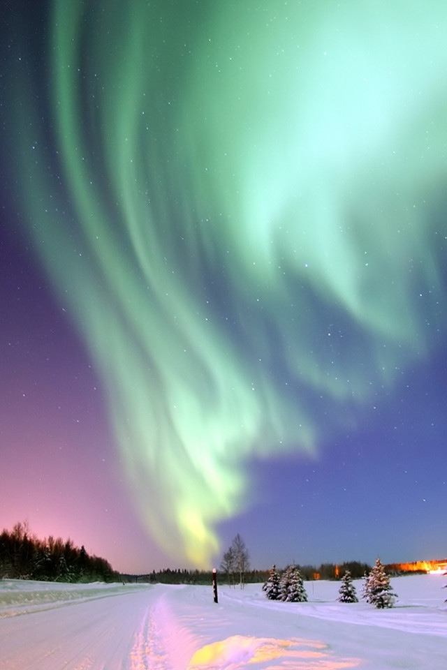 Northern lights…..🌾🌌