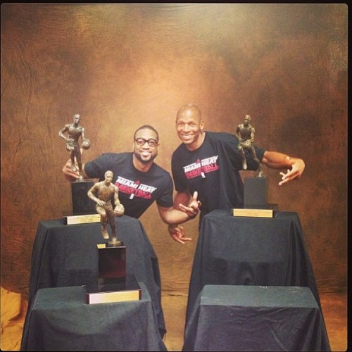 instanba:  Me and ray chillin wit the big 3! #LJMVP :: http://bit.ly/ZJGeK6