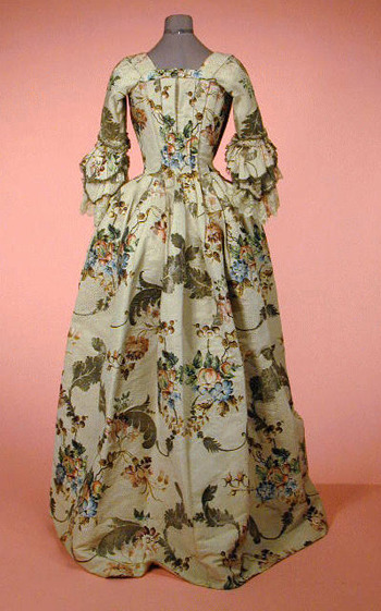 Robe a l'anglaise ca. 1740 From Doyle New York