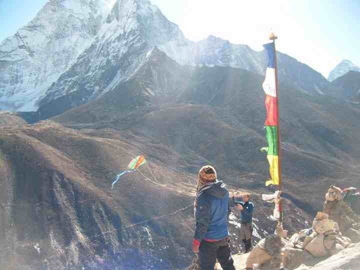 Flying my kite on Everest