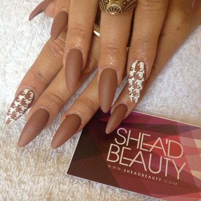sheadbeauty:  Matte brown x houndstooth #nails #nailart #london #SheaD