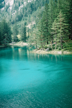 darkw00ds:  Green Lake by marin.tomic on Flickr.